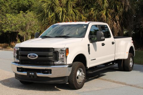 Pre-Owned 2017 Ford Super Duty F-350 DRW Pickup XL