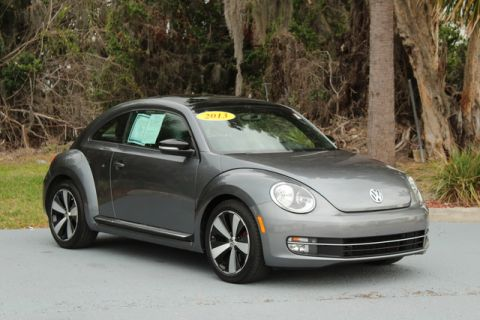 Pre-Owned 2013 Volkswagen Beetle Coupe 2.0T Turbo
